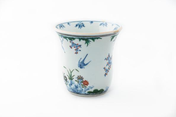 イネ科「Beaker With Underglaze Blue Birds Grasses And Flowers 1660-1677」:写真・画像(19)[壁紙.com]