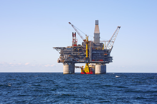 Oil Industry「Oil rig sea」:スマホ壁紙(5)