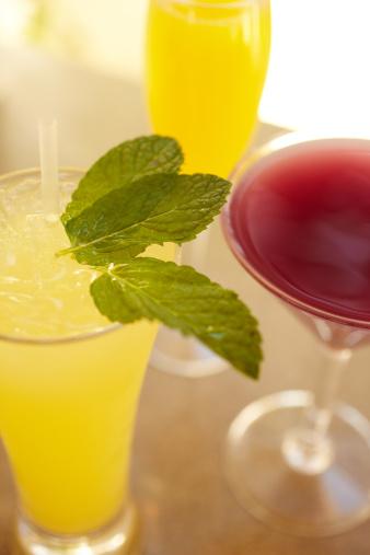 Lemon Soda「Fancy cocktails at luxury resort」:スマホ壁紙(1)