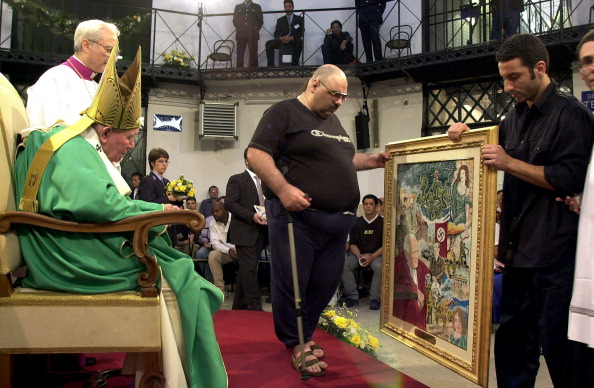 Religious Mass「Pope John Paul II Visits Prisoners」:写真・画像(3)[壁紙.com]