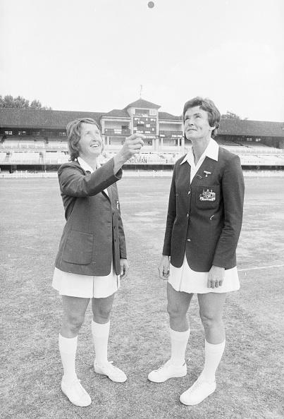 Females「Women's Cricket」:写真・画像(4)[壁紙.com]