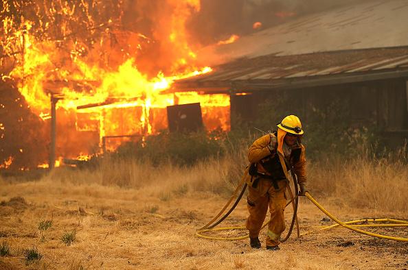 Barn「Mendocino-Complex Fire Scorches 70,000 Acres In Northern California」:写真・画像(7)[壁紙.com]