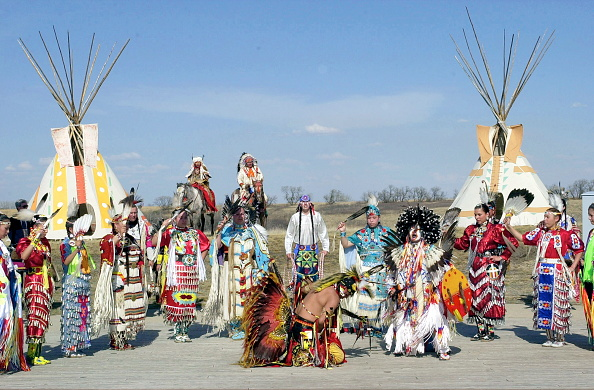 Canadian Culture「Native Indians Dancing」:写真・画像(9)[壁紙.com]
