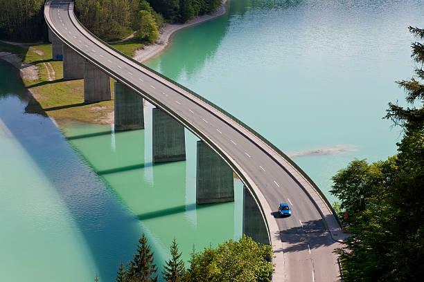 Sylvenstein Lake and Bridge Bavaria, Germany:スマホ壁紙(壁紙.com)