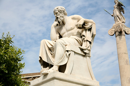 Greek Culture「Statue of Socrates, the philosopher, with sky in distance」:スマホ壁紙(5)