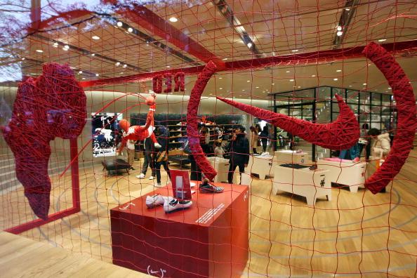 Marcus Tulio Tanaka「Nike (RED) Event at NikeTown Tokyo」:写真・画像(16)[壁紙.com]