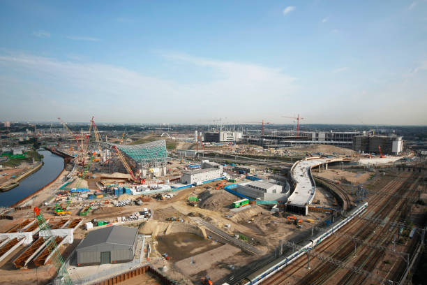Olympic Aquatics Centre under construction, Stratford, London, UK, August 2009, looking North-West:ニュース(壁紙.com)