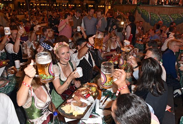 Beer Festival「Celebrities At Oktoberfest 2016 - Day 10」:写真・画像(7)[壁紙.com]