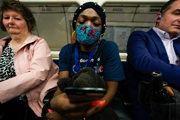 Tube「UK Enters Delay Phase Of Coronavirus Plan」:写真・画像(6)[壁紙.com]