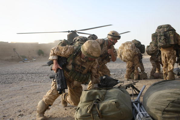 CH-47 Chinook「British Paratroopers Injured On Patrol By Friendly Fire Incident」:写真・画像(15)[壁紙.com]