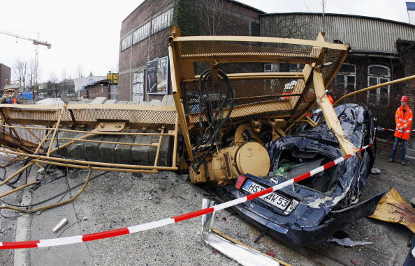Construction Machinery「Tornado Aftermath」:写真・画像(14)[壁紙.com]