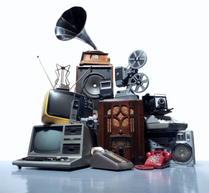 Manufactured Object「Pile of old technology」:スマホ壁紙(12)
