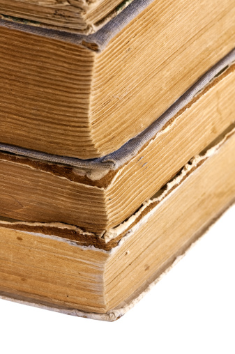 Obsolete「Pile of old books」:スマホ壁紙(10)