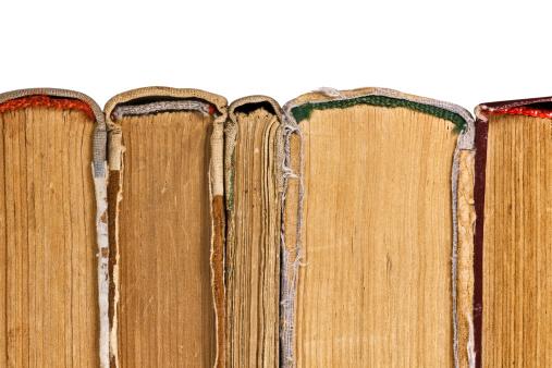 Obsolete「Pile of old books」:スマホ壁紙(9)