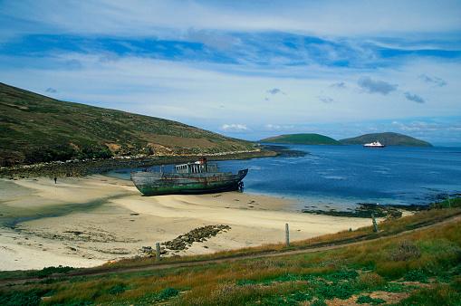 Falkland Islands「Beached Boat in Falkland Islands」:スマホ壁紙(3)