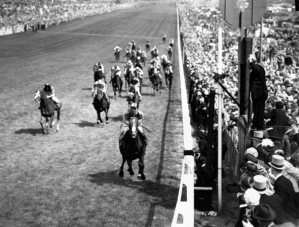 Fred Morley「Richards Wins Derby」:写真・画像(18)[壁紙.com]