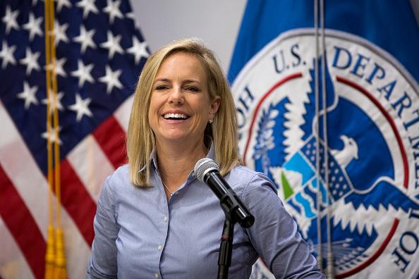 Baja California Peninsula「Homeland Security Secretary Kirstjen Nielsen Visits Border Wall Construction Site In Calexico, California」:写真・画像(15)[壁紙.com]