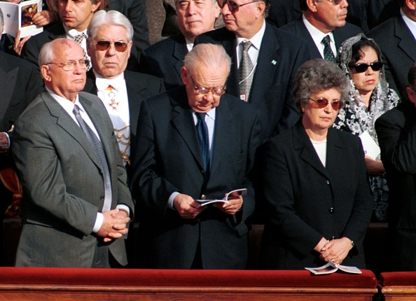 Franco Origlia「Pope John Paul II Celebrates The Politicians Jubilee」:写真・画像(17)[壁紙.com]