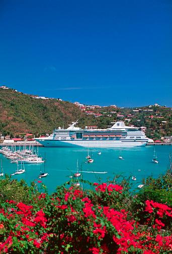 Cruise - Vacation「Cruise ship docked at Charlotte Amalie on St. Thomas」:スマホ壁紙(6)