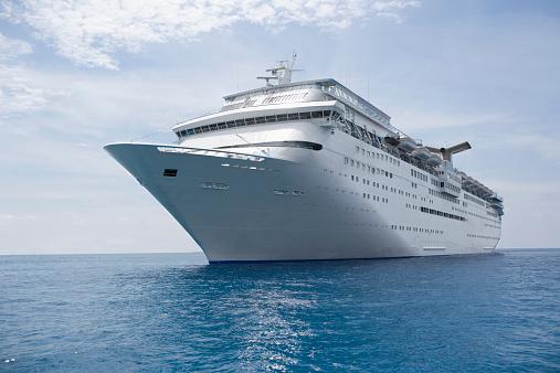 Travel「Cruise ship in caribbean sea」:スマホ壁紙(7)