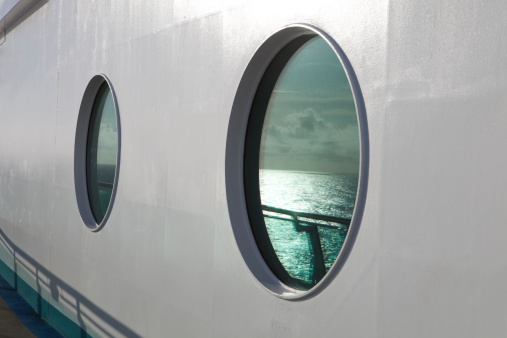 Miami「Cruise Ship Port Hole Close Up」:スマホ壁紙(16)