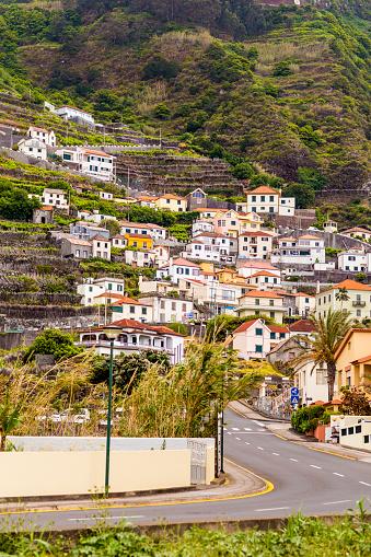 Porto Moniz「Village of Porto Moniz against slope」:スマホ壁紙(18)
