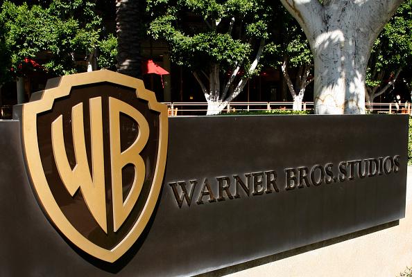 ロゴマーク「Warner Bros Studios」:写真・画像(10)[壁紙.com]