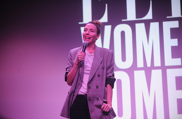 Whitney Cummings「ELLE Hosts Women In Comedy Event With July Cover Star Kate McKinnon」:写真・画像(7)[壁紙.com]