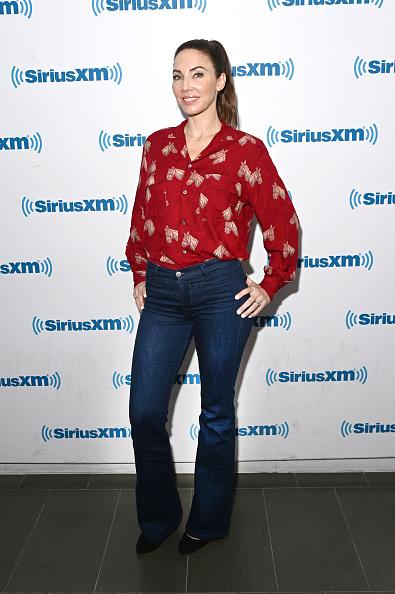 Whitney Cummings「Celebrities Visit SiriusXM - August 7, 2019」:写真・画像(11)[壁紙.com]
