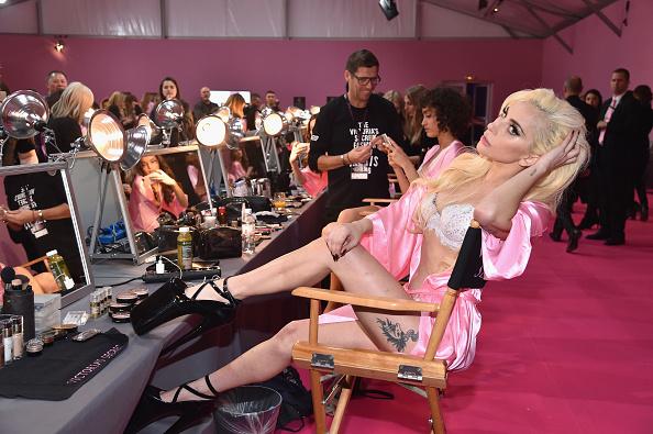 Victoria's Secret「2016 Victoria's Secret Fashion Show in Paris - Hair & Makeup」:写真・画像(1)[壁紙.com]