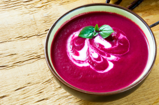 Common Beet「Violet colored beet soup in bowl on the counter」:スマホ壁紙(18)