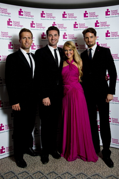 Breast「Breast Cancer Campaign's Pink Ribbon Ball」:写真・画像(0)[壁紙.com]