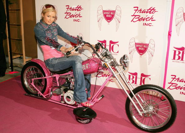 Double Denim「Paris Hilton Receives A $250,000 Beverly Hills Chopper」:写真・画像(3)[壁紙.com]