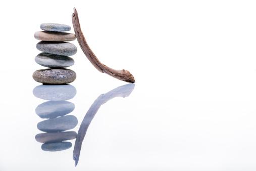 Feng Shui「Zen balance stones studio shot on white with reflection」:スマホ壁紙(9)