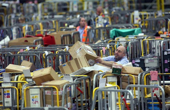 Royal Mail「Post Office Processes Final Mail For Xmas Deadline」:写真・画像(15)[壁紙.com]