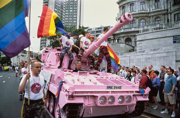 Pink Color「Gay Pride Pink Tank」:写真・画像(19)[壁紙.com]