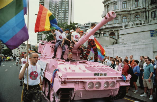 LGBTQI Rights「Gay Pride Pink Tank」:写真・画像(19)[壁紙.com]