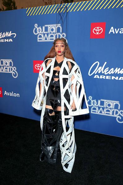 Transparent「BET Presents: 2018 Soul Train Awards - Red Carpet & Arrivals」:写真・画像(1)[壁紙.com]