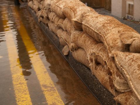 North Yorkshire「Flood Defences」:スマホ壁紙(17)