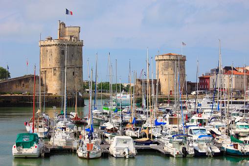 Nouvelle-Aquitaine「France, Poitou-Charentes, La Rochelle, Vieux Port」:スマホ壁紙(0)