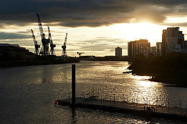 Clyde River Port in Glasgow:スマホ壁紙(壁紙.com)