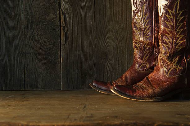 Pair of cowboy shoes:スマホ壁紙(壁紙.com)