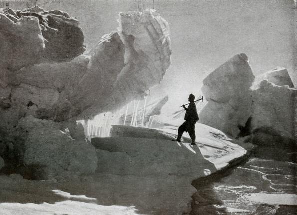 Ski Pole「Pressure Ice Blocks Near Discovery Bluff」:写真・画像(3)[壁紙.com]
