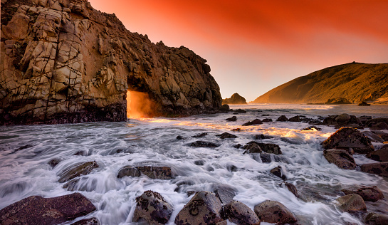 Pfeiffer Beach「Keyhole Arch and Pfeiffer Beach」:スマホ壁紙(10)