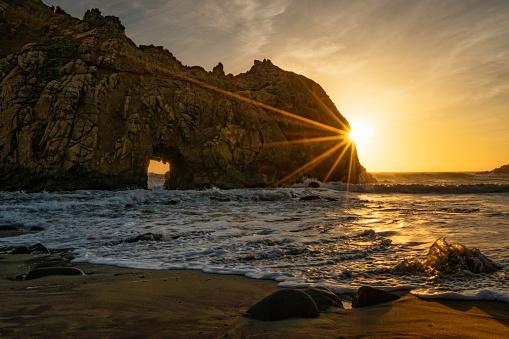 Pfeiffer Beach「Keyhole Arch」:スマホ壁紙(8)