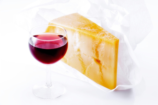Eating「Italian cheese and a glass of red wine」:スマホ壁紙(3)