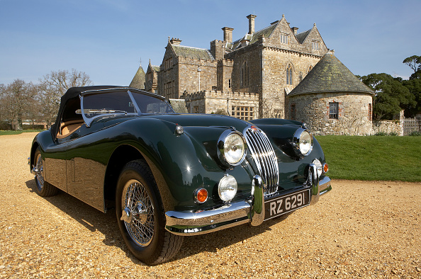 Environmental Conservation「1954 Jaguar XK140 outside Palace House, Beaulieu」:写真・画像(11)[壁紙.com]
