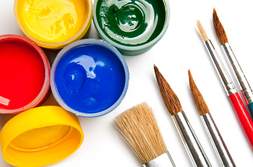 Art「Watercolor paints, poster paints in mini cans, paintbrushes, isolated」:スマホ壁紙(3)