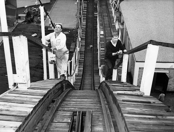 Amusement Park Ride「Big Dipper Painters」:写真・画像(12)[壁紙.com]