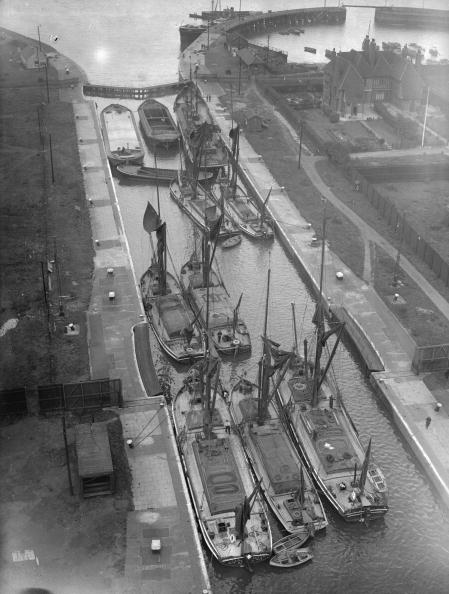 Barge「Cargo Boats」:写真・画像(14)[壁紙.com]